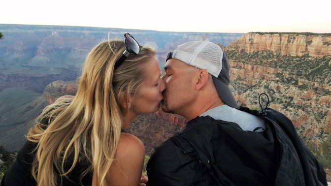 A smooch at the Canyon